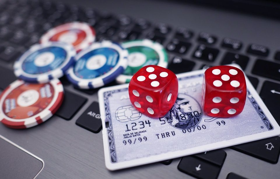 Playing Free Online Slots Entirely From The Casinos