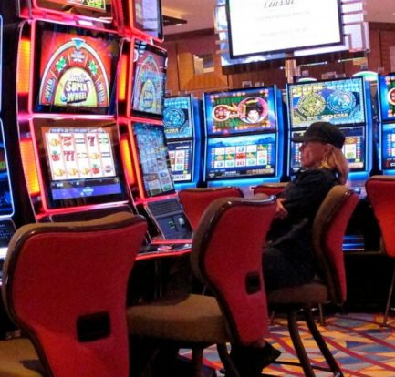 Online Gambling and Love - How They're the Identical