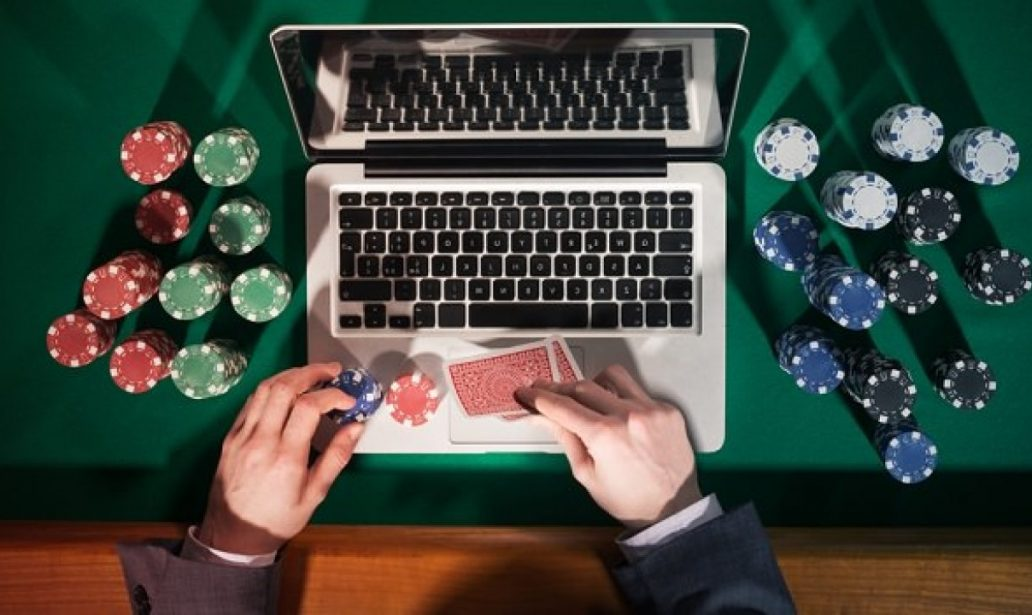 Why Some People Almost At all times Make/Save Money With Gambling